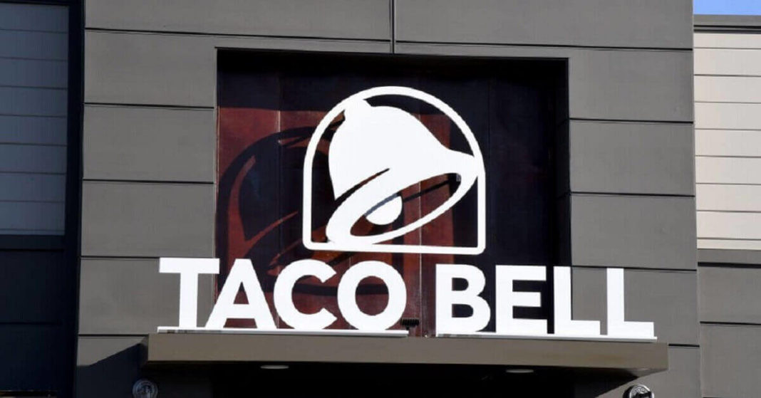 Taco Bell tries to juice app downloads with free chalupa deal
