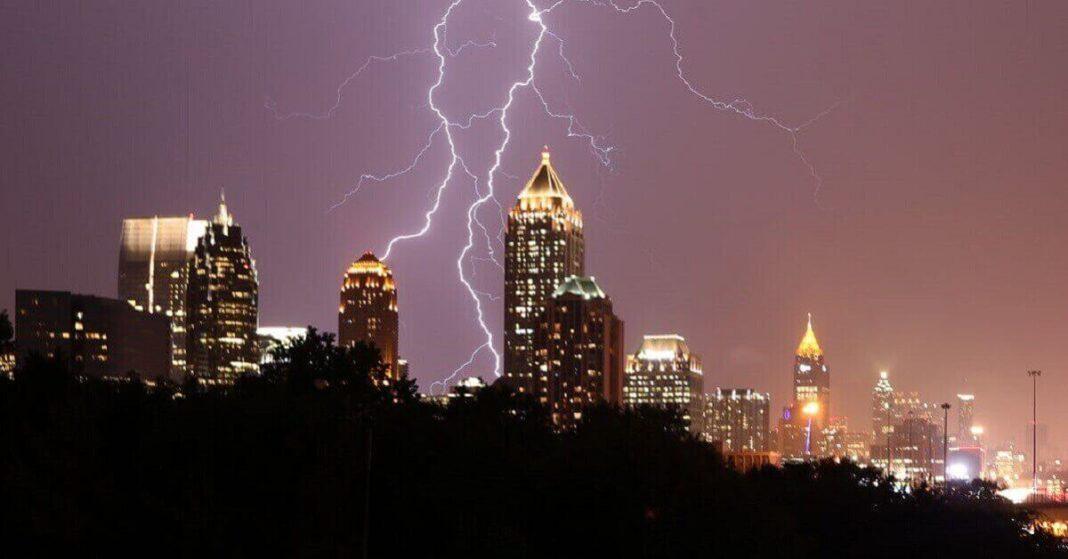 Severe Thunderstorm warnings issued east of Atlanta
