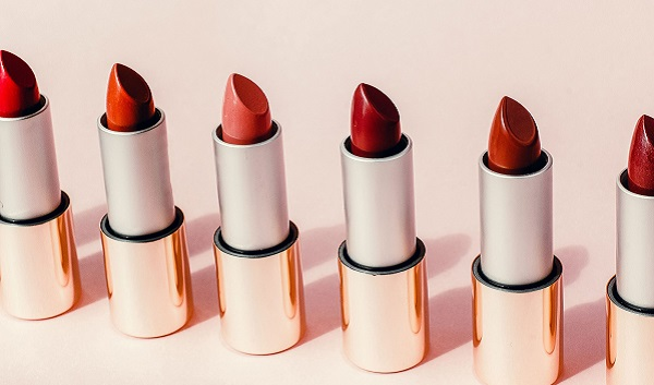 How To Pick The Perfect Smudge Proof Lipstick