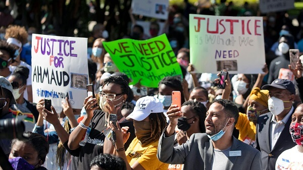 Protests that her Son's Murderers Must Stay in Custody