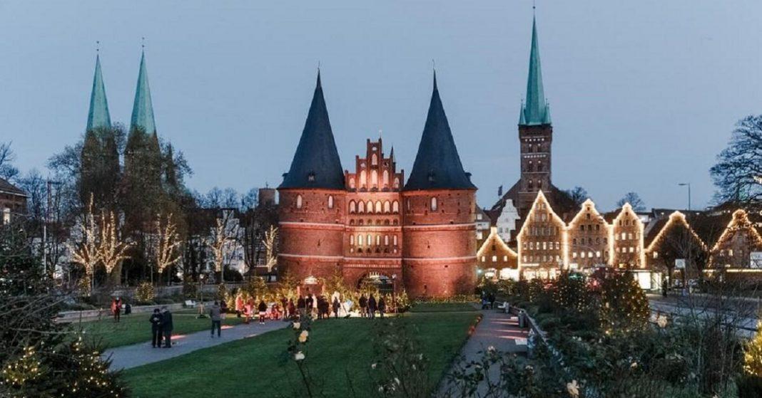 The Coronavirus takes away the Joy of Christmas in major cities around the World