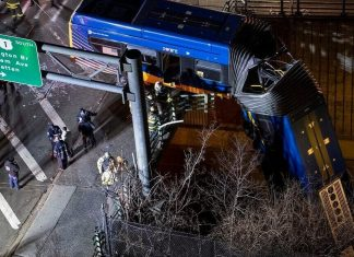 Bus Plunges off Bronx Bridge Passengers Hurt, Driver Seriously Injured-min