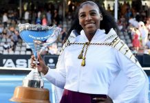 Serena Williams advances at Australian Open