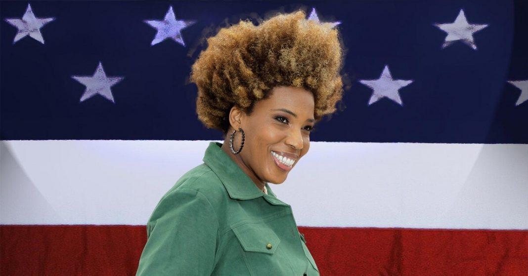 Macy Gray says US Flag Doesn't Reflect All of US and Should Be Changed