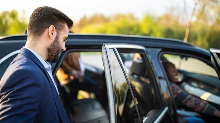 Uber Driver vs Lyft Bonuses