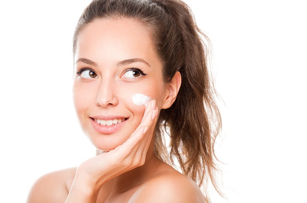 Rejuvenate your youth by using the best face wash for mature skin