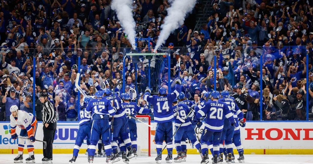 Tampa Bay Lightning wins second straight Stanley Cup crushing Montreal Canadiens