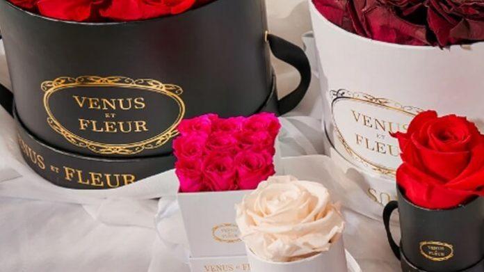 Venus Et Fleurs