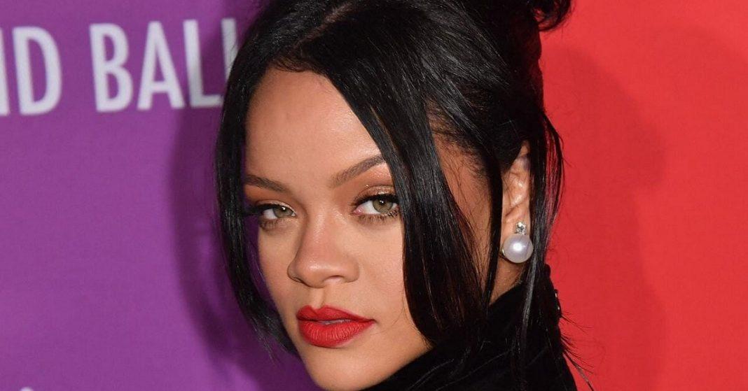Rihanna officially becomes a billionaire