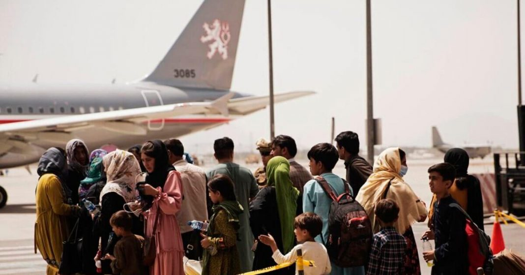 People Desperate to Evacuate as All Gates Closed on Kabul Airport