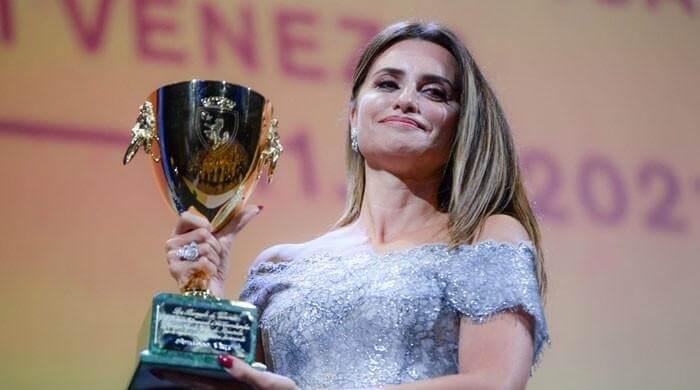 "Penelope Cruz grabs the ""best actress award"" at Venice film festival 2021"